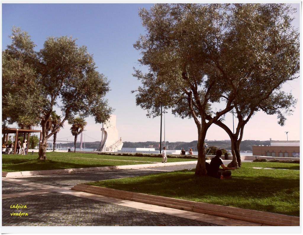 Jardim das Oliveiras, no segundo piso do Centro Cultural Belém. Uma bela vista do Tejo!