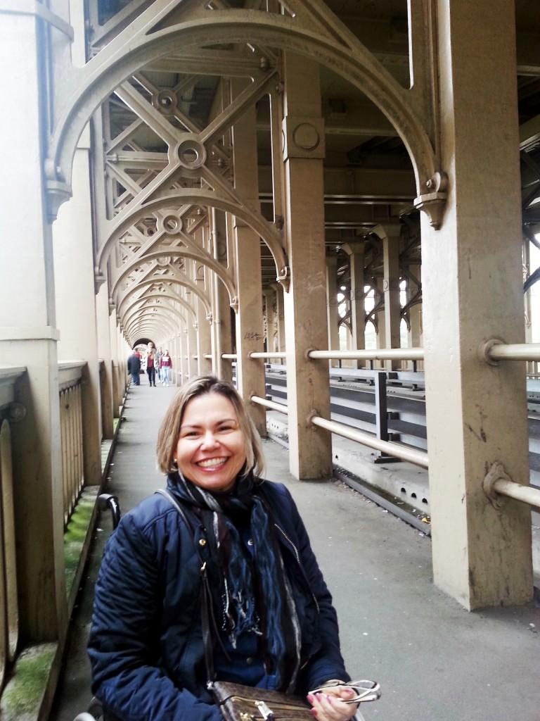 Estou atravessando outra das sete pontes sobre o Rio Tyne. Quando me lembrar o nome dela, registro aqui pra vcs!