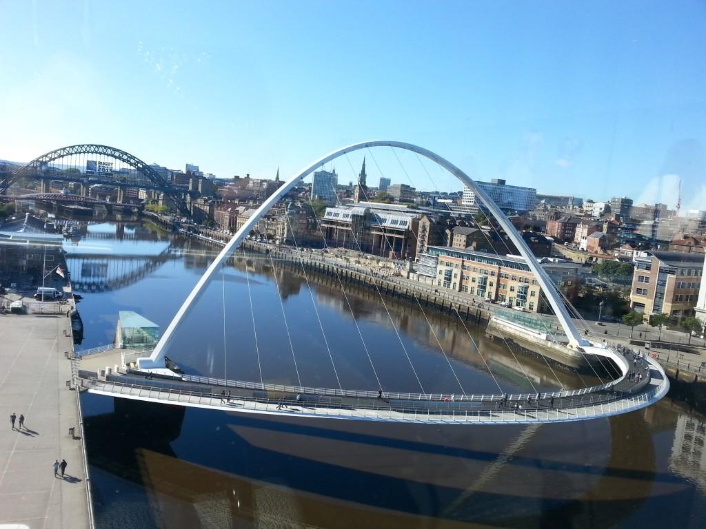 A Millenium Bridge é símbolo a cidade