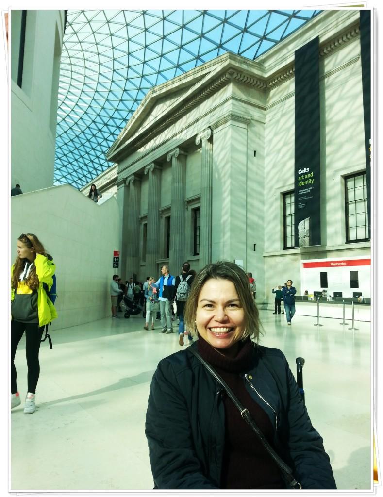 O British Museum tem este teto maravilhoso, e o acervo é impressionante.