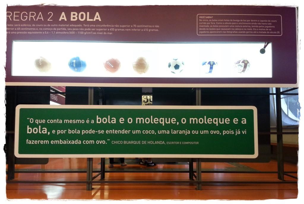Nesta sala, frases interessantes sobre essa grande paixão dos brasileiros.