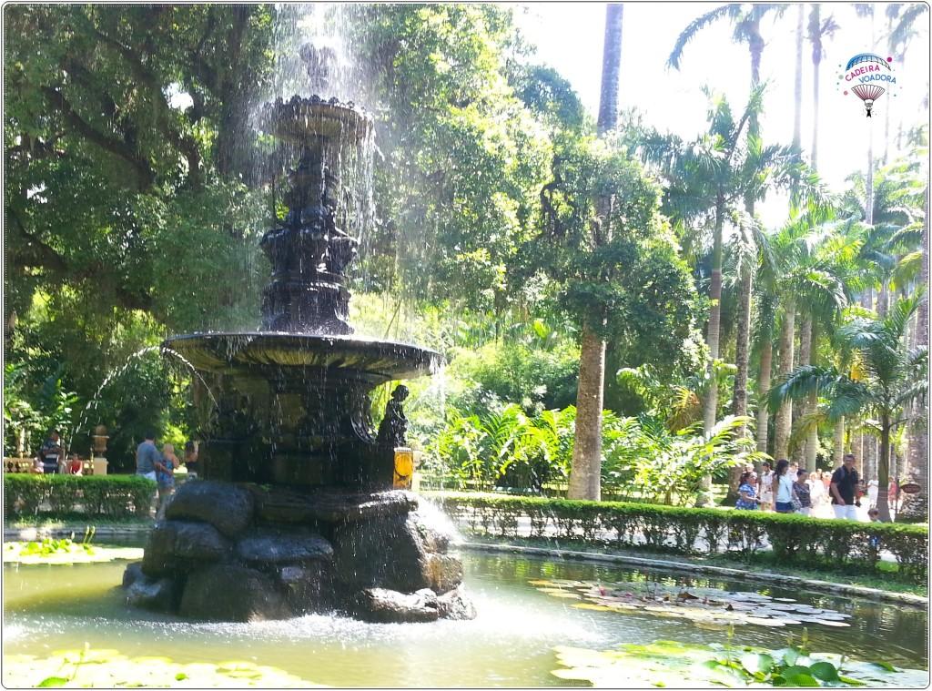 O Chafariz das Musas é uma das atrações. Fica bem no centro do parque.