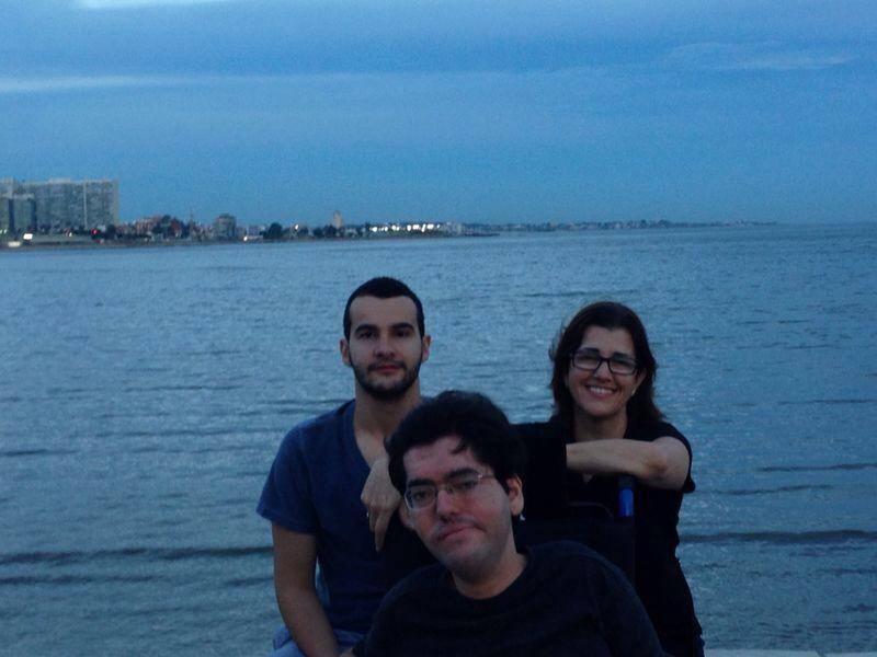 Pedro curte a orla do Rio da Prata com a família. (Todas as fotos pertencem ao acervo do autor do texto)