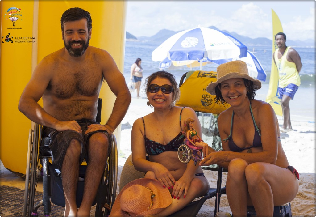 Adivinha que nós encontramos por lá? O Eduardo Câmara, do blog Mão na Roda! À minha direita, Marta Alencar e Tina Descolada, minhas grandes companheiras nesta e em outras aventuras por aí...