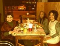 Curtindo a noite com Rô e Marta na Salumeria Central. (Todas as fotos pertencem ao meu acervo.)