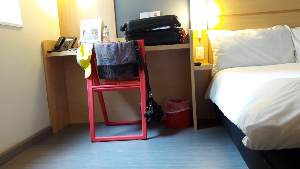Bom espaço na lateral da cama para manobras | LM