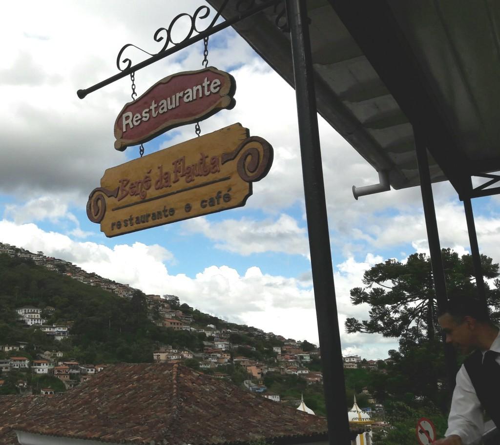 Placa do restaurante Bené da Flauta.