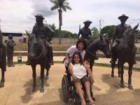 Portal com estátuas representando alguns personagens da obra Grande Sertão: Veredas, de Guimarães Rosa. (Todas as fotos pertencem ao acervo de Milene Diniz)