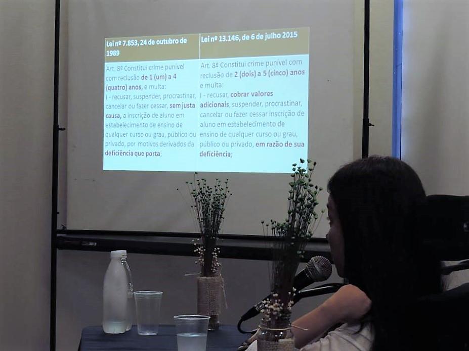 Meire Elem profere palestra sobre direitos da pessoa com deficiência