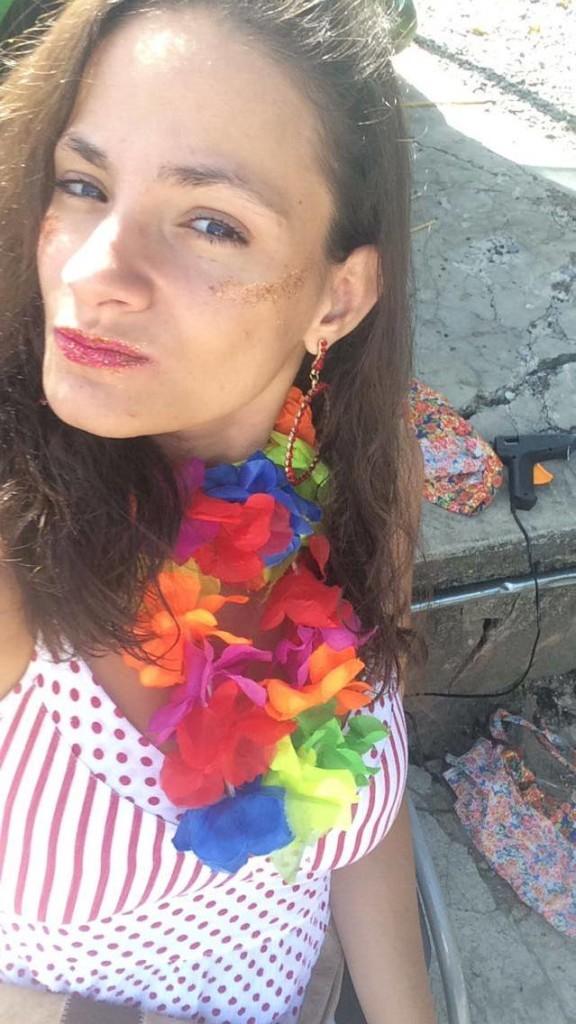 Bruna Borges curtindo a folia em Belo Horizonte