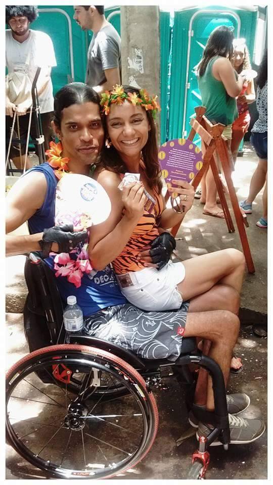 O casal Elaine e Atayde curtindo o carnaval de Belo Horizonte