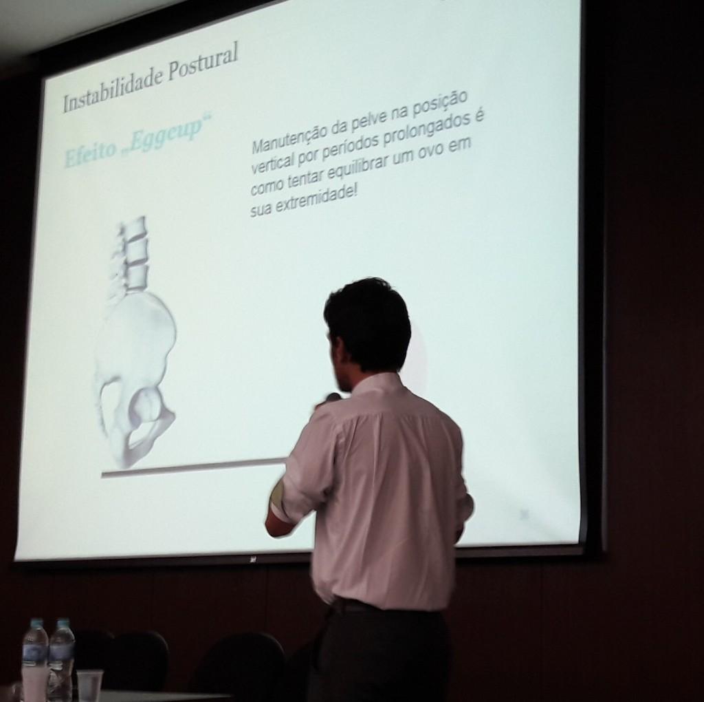 Neste slide, é possível perceber a importância do uso de uma almofada adequada.