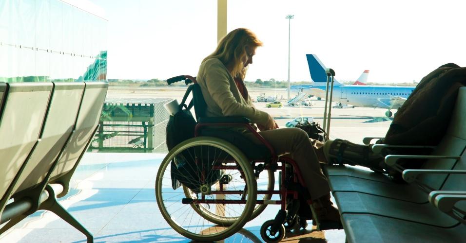mulher-cadeirante-em-aeroporto-1417544883687_956x500