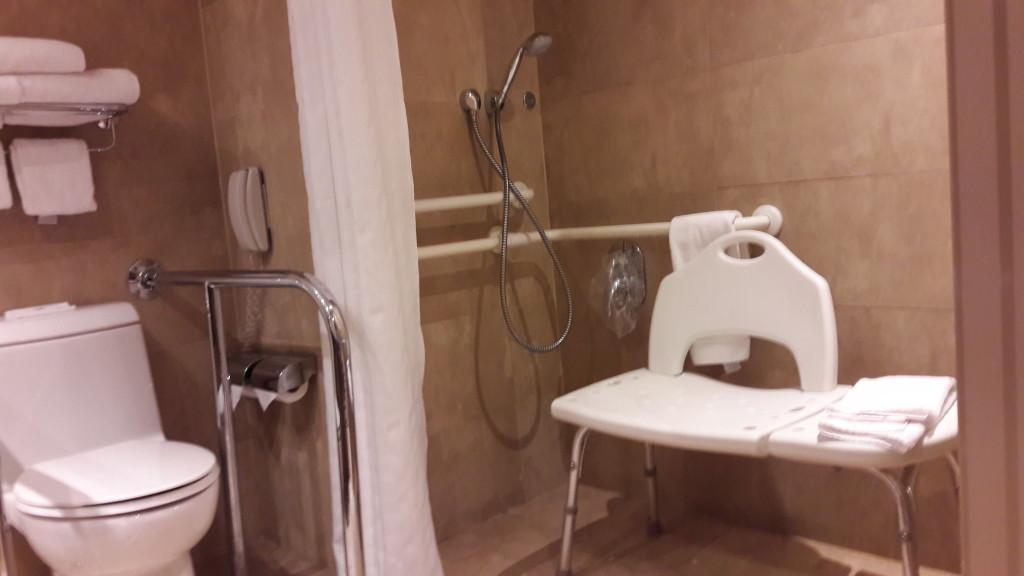 A acessibilidade do hotel era acima da média, mas não perfeita.